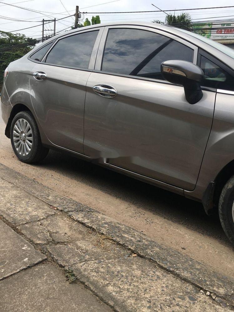 Cần bán xe Ford Fiesta năm 2011, nhập khẩu nguyên chiếc (4)