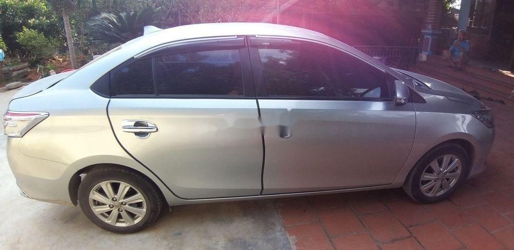 Bán Toyota Vios đời 2014, màu bạc còn mới (1)