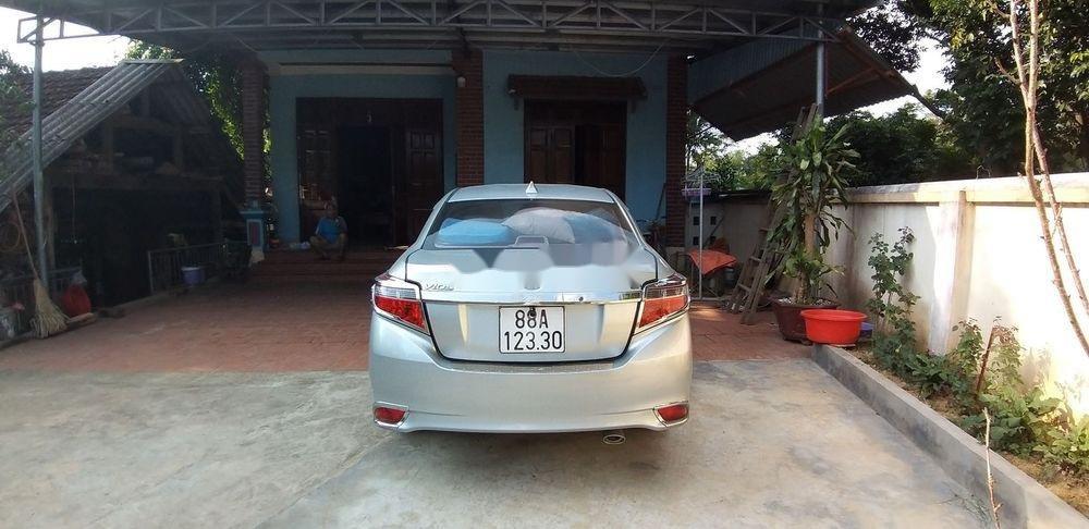 Bán Toyota Vios đời 2014, màu bạc còn mới (4)
