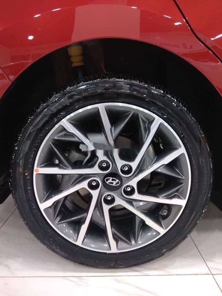 Cần bán Hyundai Elantra sản xuất năm 2019 (6)
