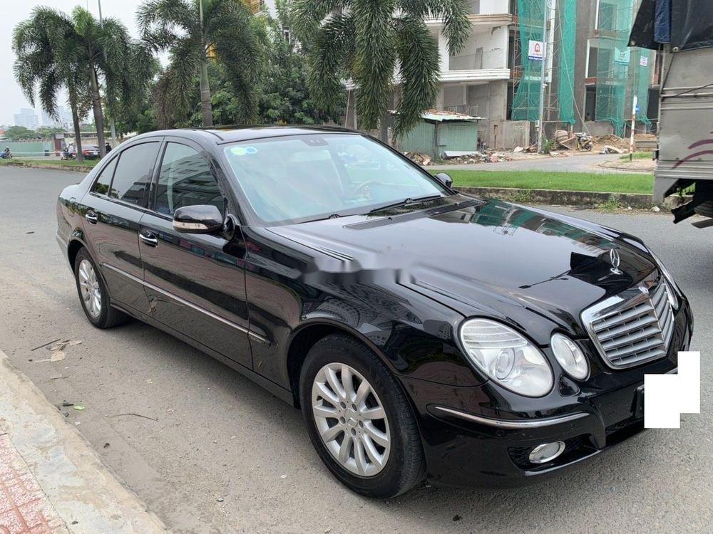 Cần bán xe Mercedes E class đời 2006, màu đen còn mới, 390tr (1)