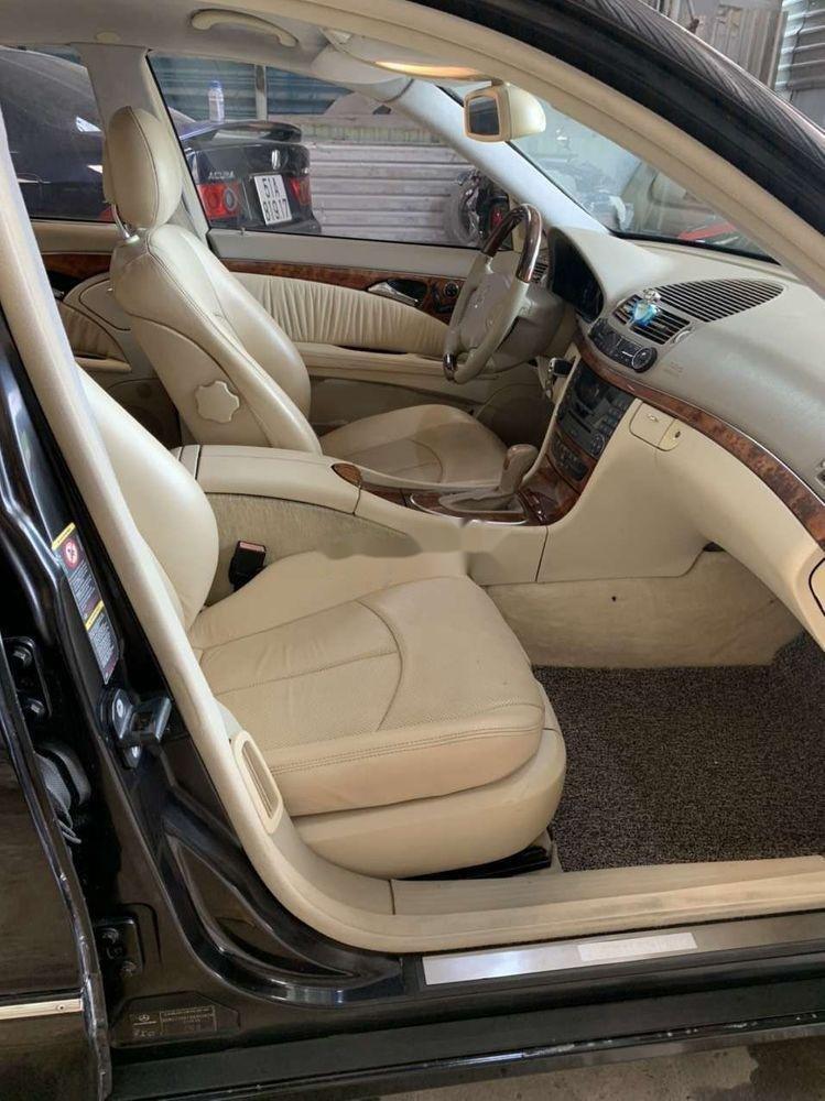 Cần bán xe Mercedes E class đời 2004, nhập khẩu (3)
