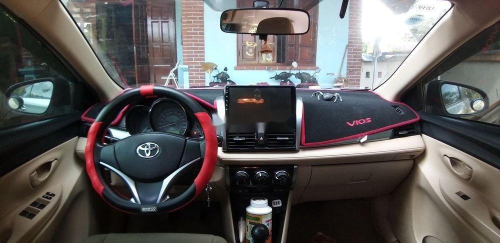 Bán Toyota Vios đời 2014, màu bạc còn mới (3)