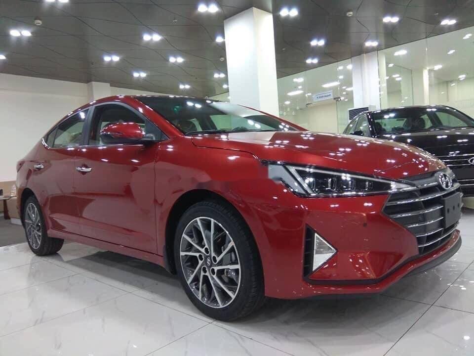 Cần bán Hyundai Elantra sản xuất năm 2019 (2)