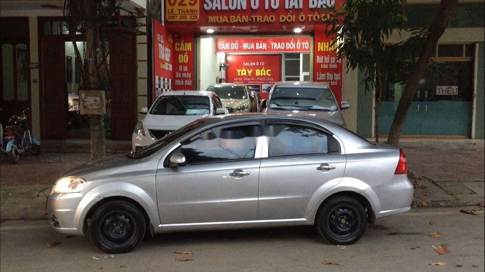 Cần bán lại xe Daewoo Gentra đời 2011, màu bạc còn mới (6)