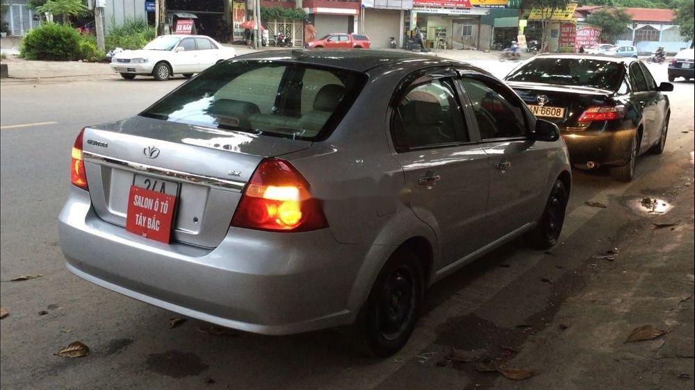 Cần bán lại xe Daewoo Gentra đời 2011, màu bạc còn mới (5)