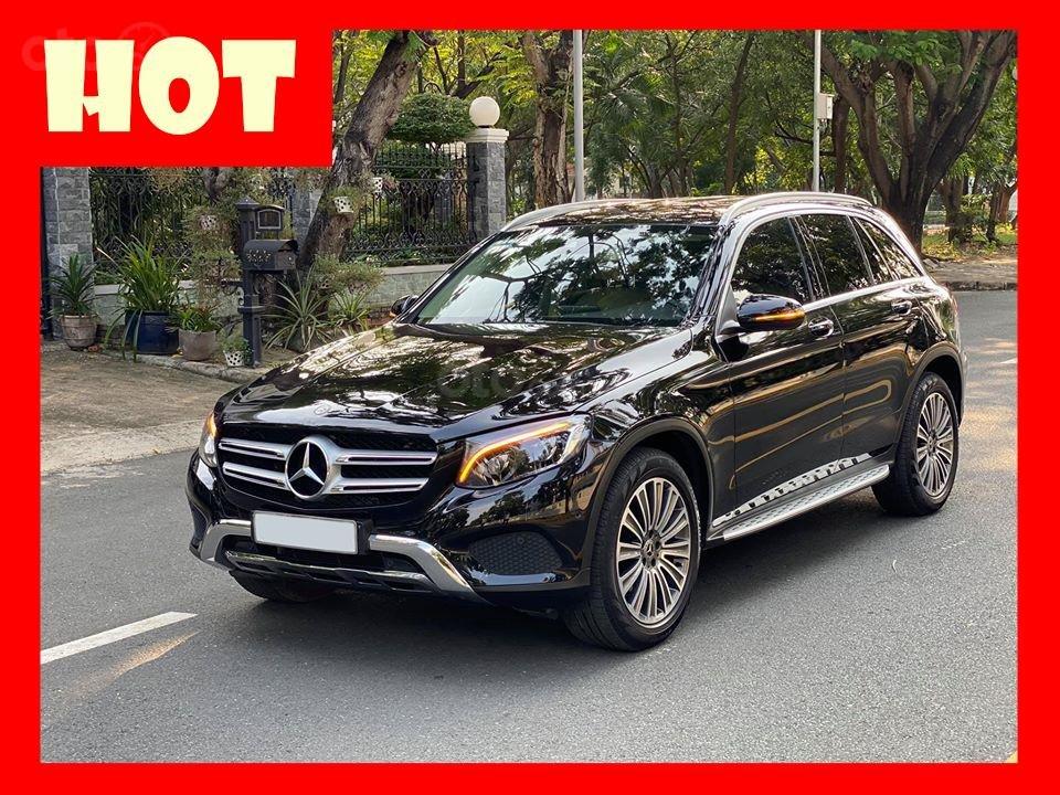 MBA Auto - bán xe Mercedes GLC250 2018 có Apple Carplay, trả trước 700 triệu nhận xe ngay (1)