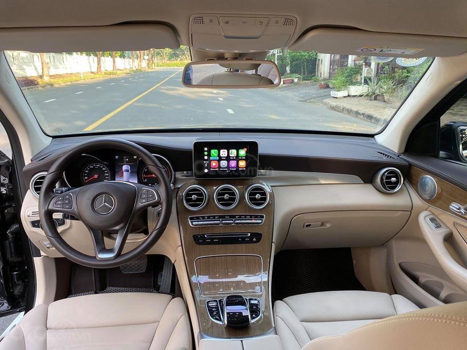 MBA Auto - bán xe Mercedes GLC250 2018 có Apple Carplay, trả trước 700 triệu nhận xe ngay (4)