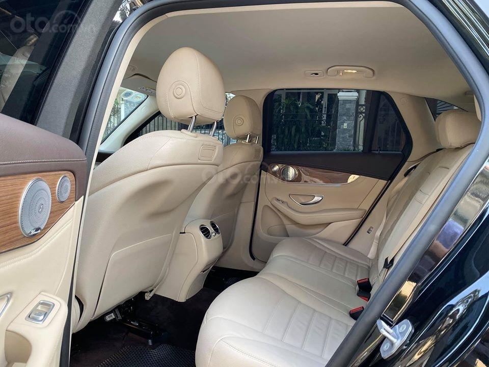 MBA Auto - bán xe Mercedes GLC250 2018 có Apple Carplay, trả trước 700 triệu nhận xe ngay (6)