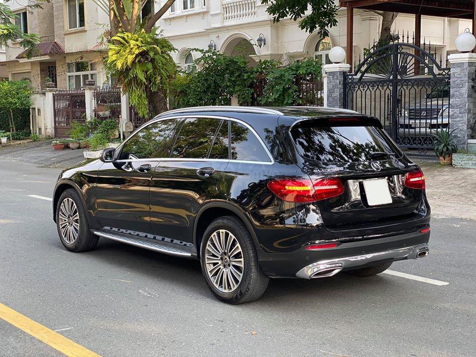 MBA Auto - bán xe Mercedes GLC250 2018 có Apple Carplay, trả trước 700 triệu nhận xe ngay (8)