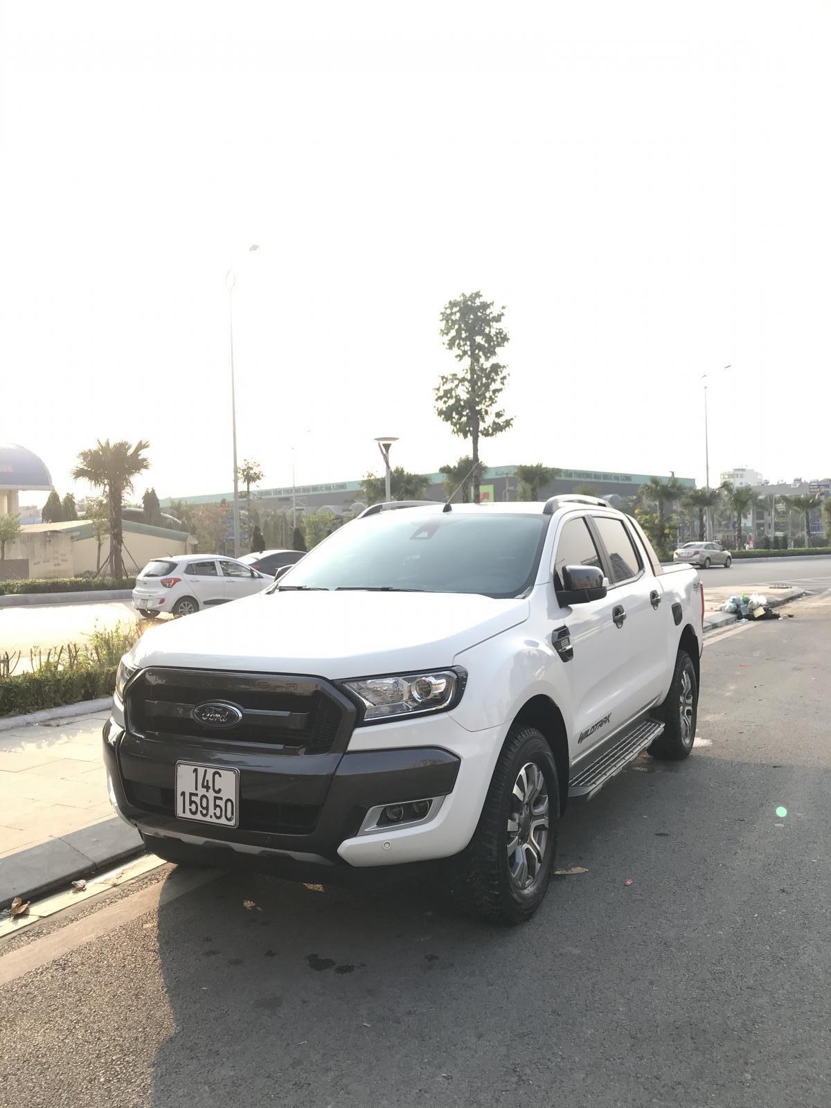 Cần bán xe Ford Ranger Wildtrak 3.2 4x4 AT đời 2016, màu trắng, xe chính chủ, nhập khẩu Thái Lan, liên hệ: 0982255966 (1)