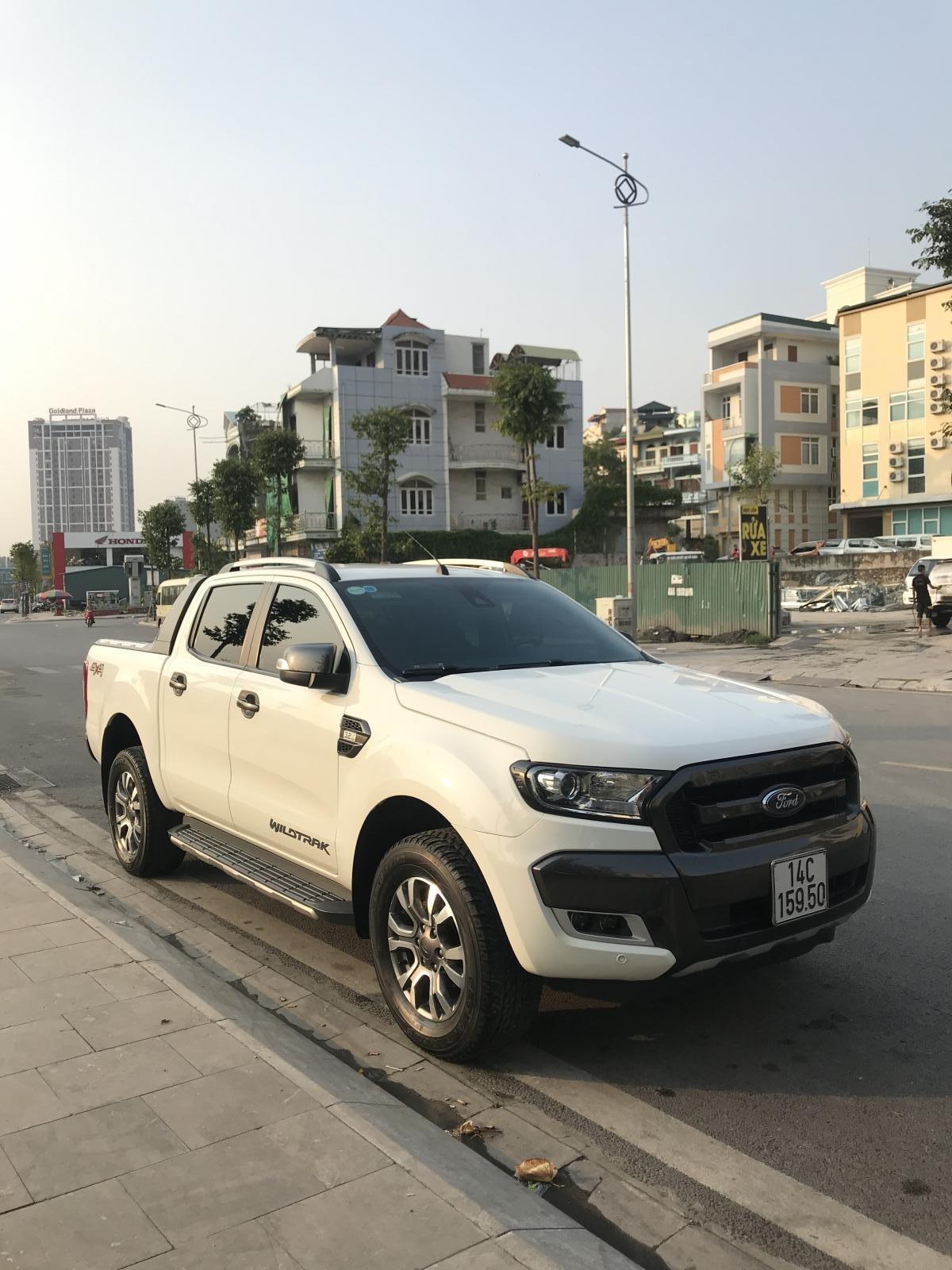 Cần bán xe Ford Ranger Wildtrak 3.2 4x4 AT đời 2016, màu trắng, xe chính chủ, nhập khẩu Thái Lan, liên hệ: 0982255966 (3)