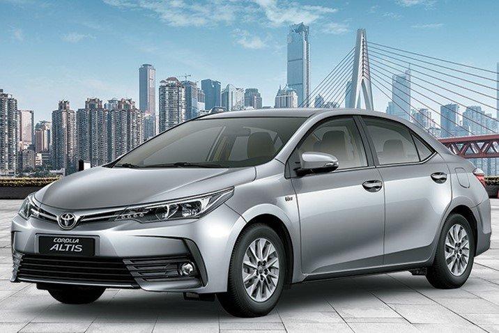 Toyota Corolla Altis 2019 với ưu điểm là giữ giá tốt và không gian nội thất rộng rãi a1
