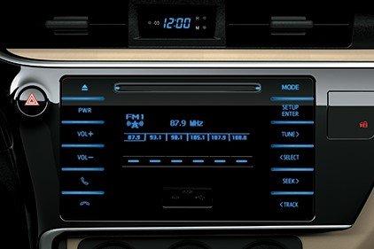 Trang bị tiện nghi xe Toyota Corolla Altis 2019: Hệ thống âm thanh CD 1