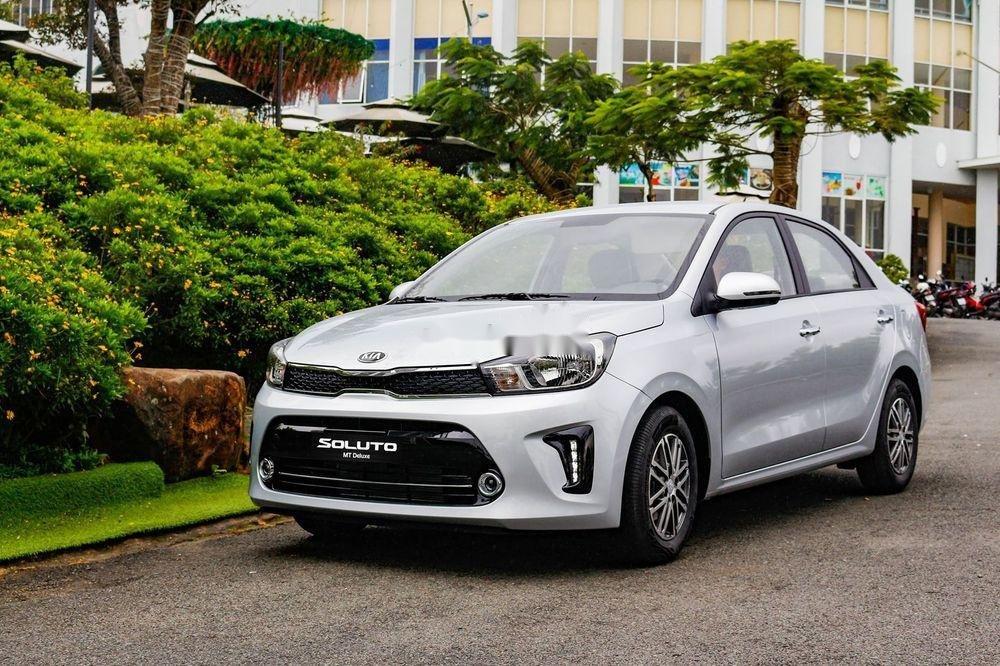 Bán Kia Soluto MT Deluxe đời 2019, màu bạc, mới hoàn toàn (1)