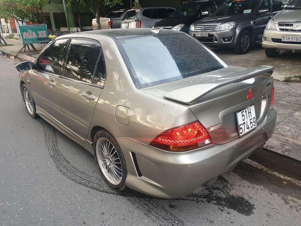 Cần bán lại xe Mitsubishi Lancer sản xuất năm 2003, màu bạc (5)