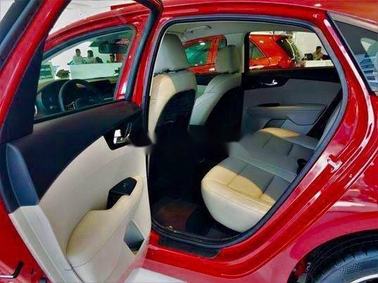 Bán Kia Cerato đời 2019, màu đỏ, nhập khẩu, mới hoàn toàn (2)