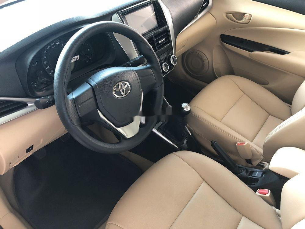 Bán xe Toyota Vios đời 2019, màu vàng cát, mới hoàn toàn (3)