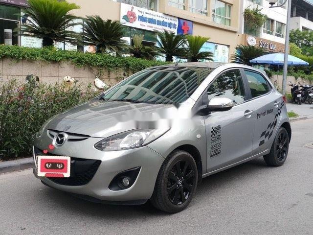 Cần bán lại xe Mazda 2 đời 2013, màu xám còn mới (2)