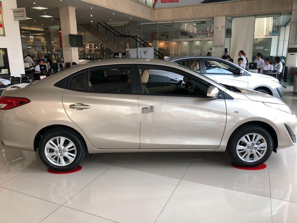 Bán xe Toyota Vios đời 2019, màu vàng cát, mới hoàn toàn (5)