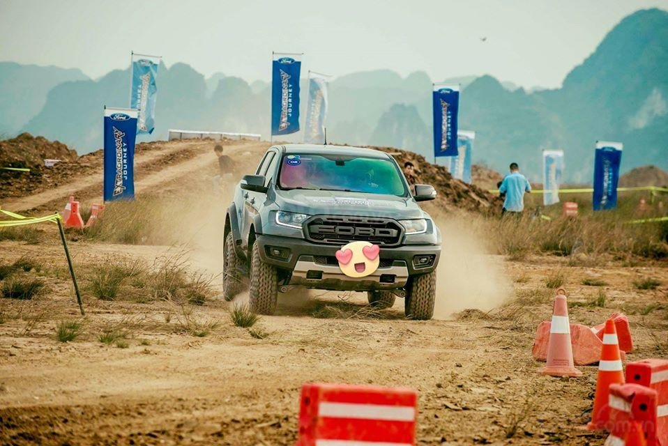 Ford Hà Thành bán Ranger Raptor, lấy xe với 400Tr, liên hệ 0938568583 (1)