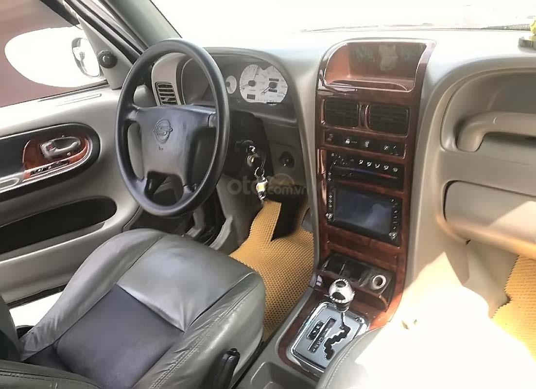 Cần bán lại xe Ssangyong Korando đời 2004, màu đen, nhập khẩu nguyên chiếc chính hãng (2)