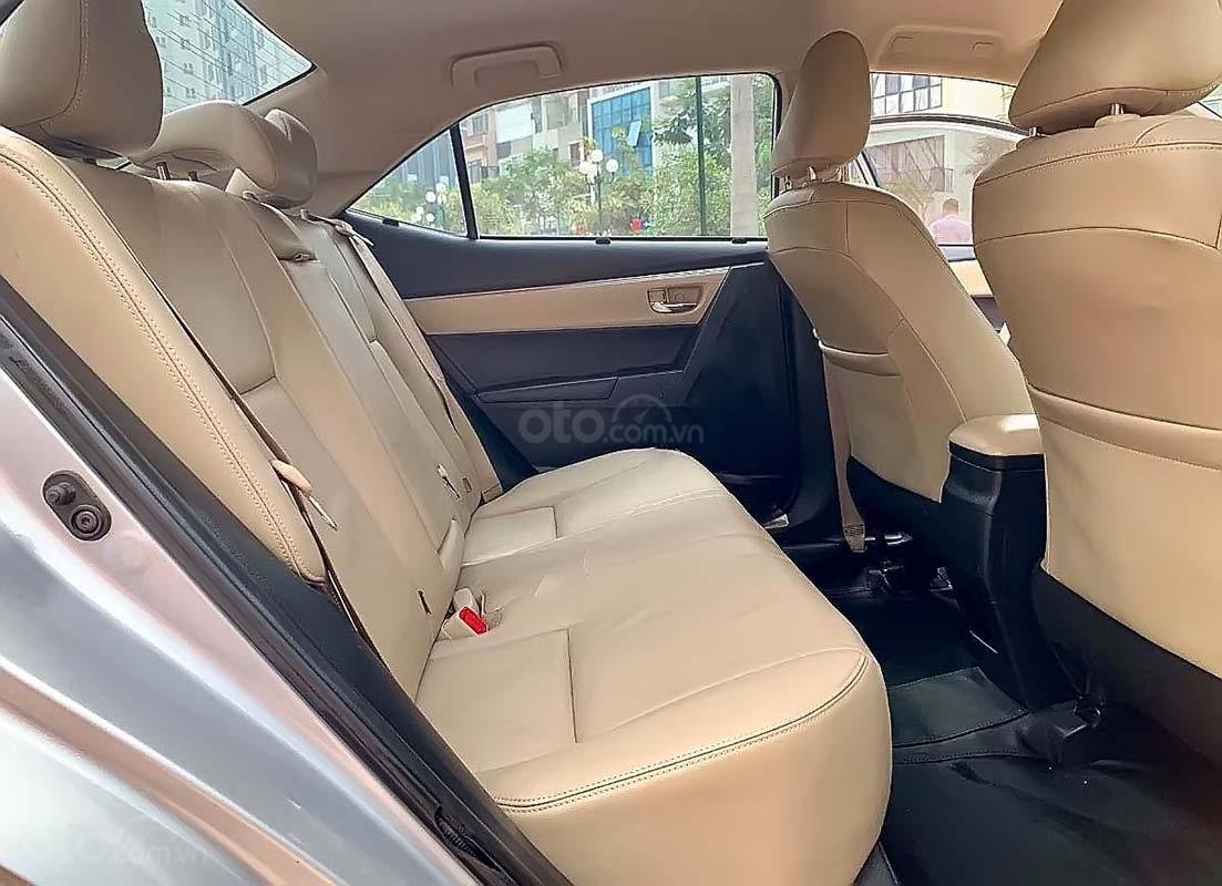 Bán xe Toyota Corolla Altis đời 2014, màu bạc số tự động, 569 triệu xe nguyên bản (2)