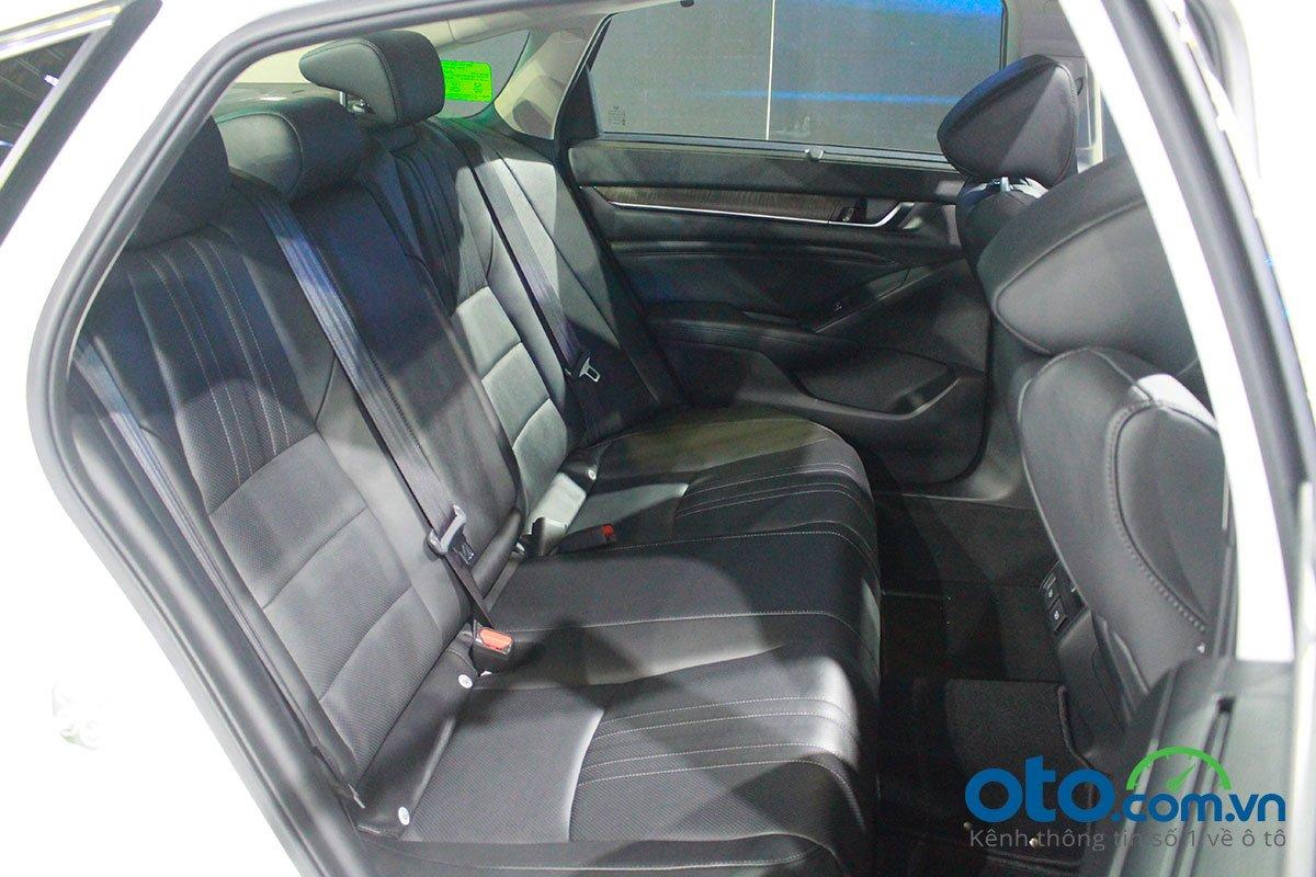So sánh xe Kia Optima 2019 và Honda Accord 2020 về thiết kế ghế ngồi - Ảnh 3.