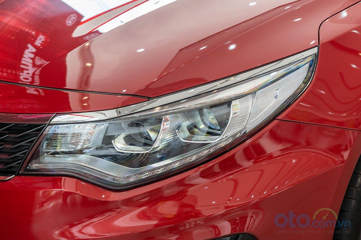So sánh xe Kia Optima 2019 và Honda Accord 2020 về thiết kế đầu xe - Ảnh 2.