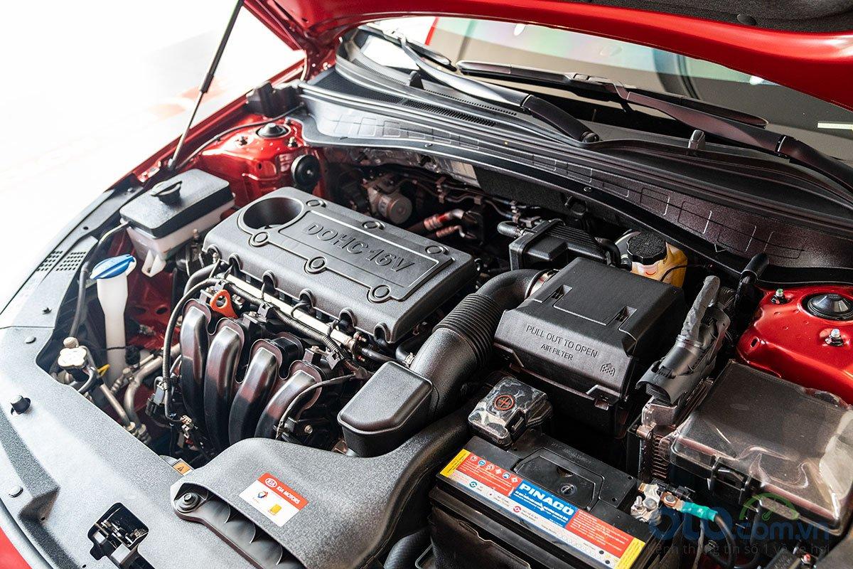 So sánh xe Kia Optima 2019 và Honda Accord 2020 về động cơ.