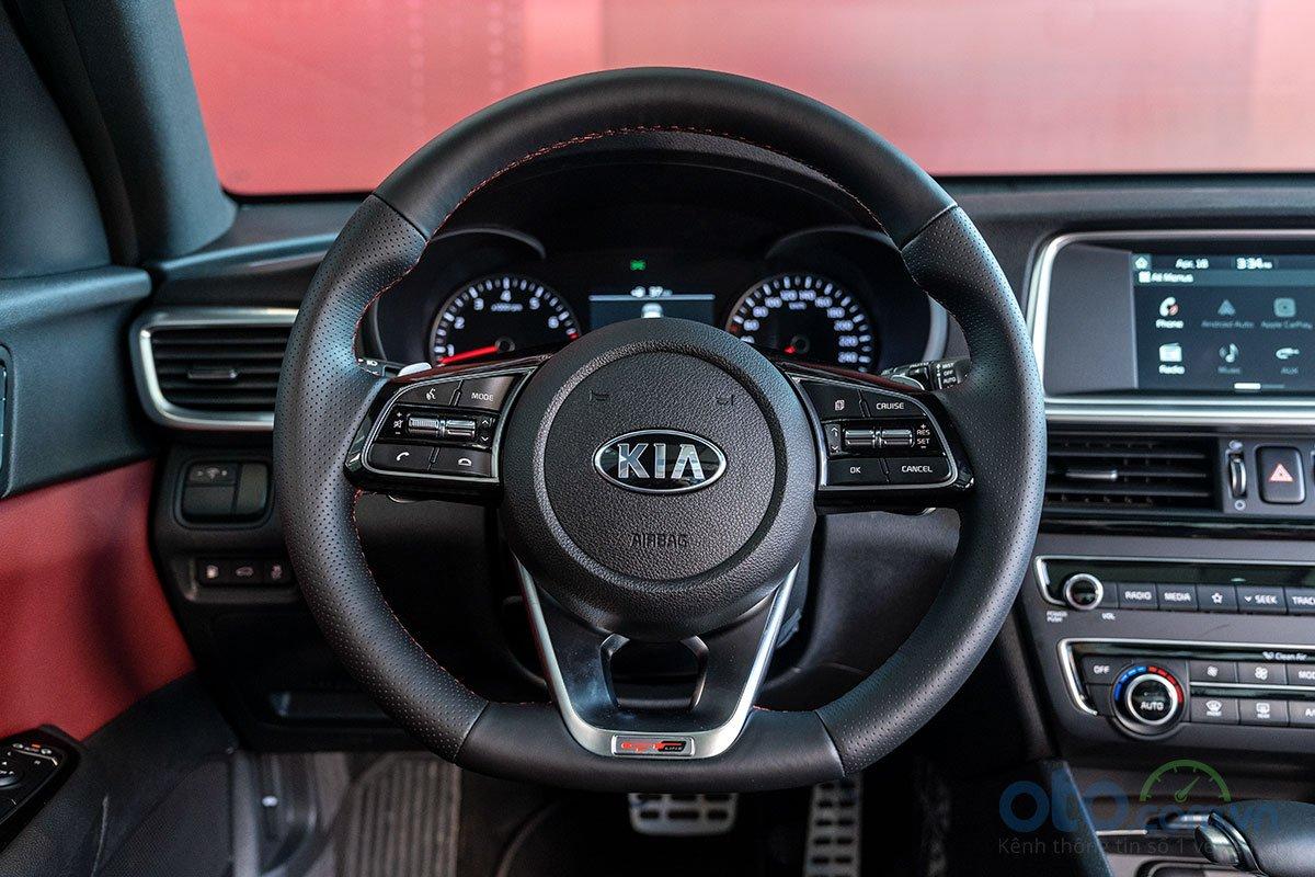 So sánh xe Kia Optima 2019 và Honda Accord 2020 về nội thất - Ảnh 2.