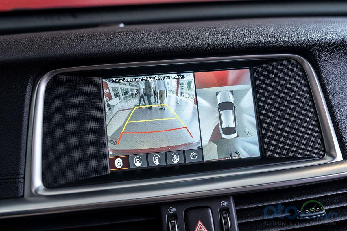 So sánh xe Kia Optima 2019 và Honda Accord 2020 về trang bị tiện nghi.