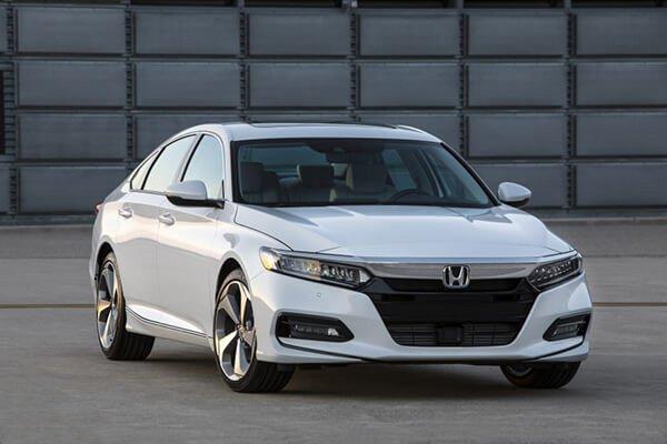 Honda Accord mang đường nét thiết kế Châu Âu rất thanh lịch và sang trọng