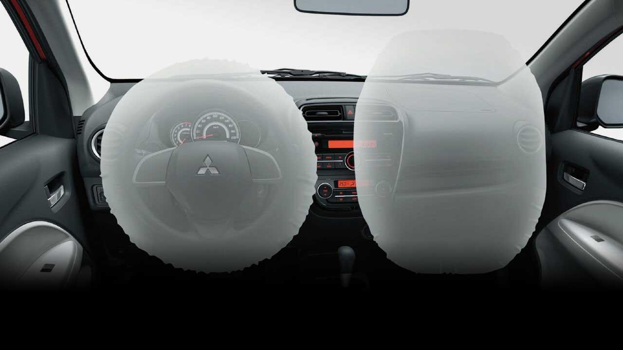Túi khí đôi cho hàng ghế trước, đảm bảo an toàn trong các va chạm trực diện.