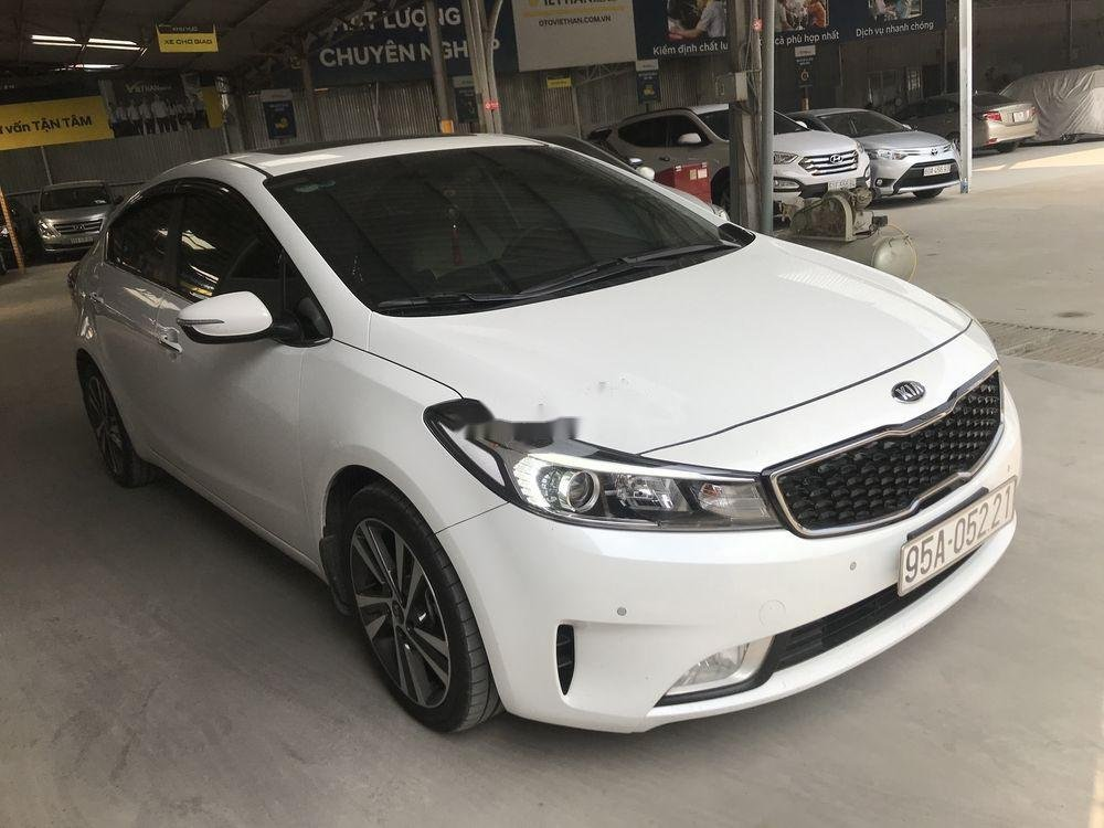 Bán xe Kia Cerato năm sản xuất 2018, màu trắng   (2)