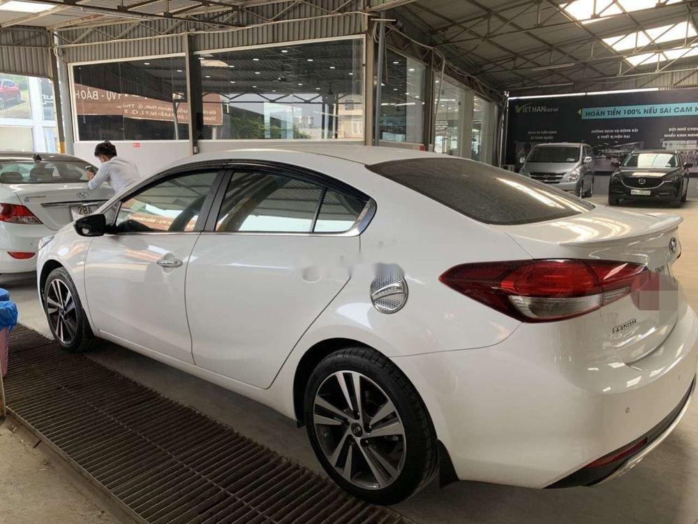 Bán xe Kia Cerato 2.0AT năm 2018, màu trắng số tự động, xe lướt (4)