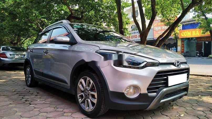 Bán gấp chiếc Hyundai i20 Active 2015 số tự động biển Hà Nội, xe chính chủ còn mới (2)