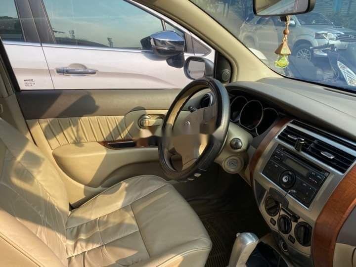 Bán Nissan Livina 2011, màu vàng, xe nhập số tự động, 325tr (6)
