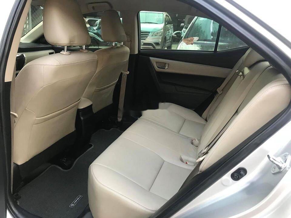 Cần bán gấp Toyota Fortuner đời 2012, màu bạc còn mới (5)