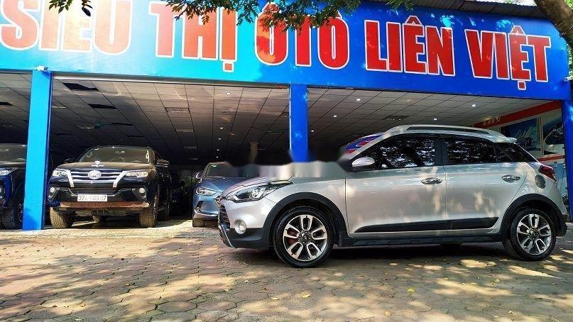 Bán gấp chiếc Hyundai i20 Active 2015 số tự động biển Hà Nội, xe chính chủ còn mới (5)