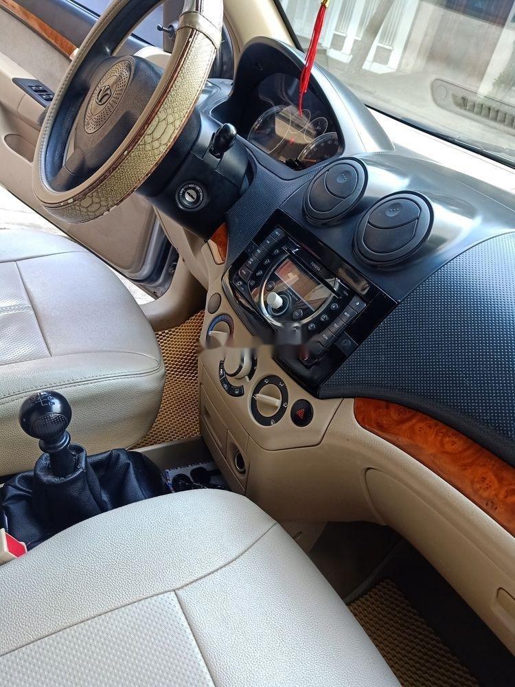 Bán Daewoo Gentra sản xuất 2009, màu bạc còn mới (5)