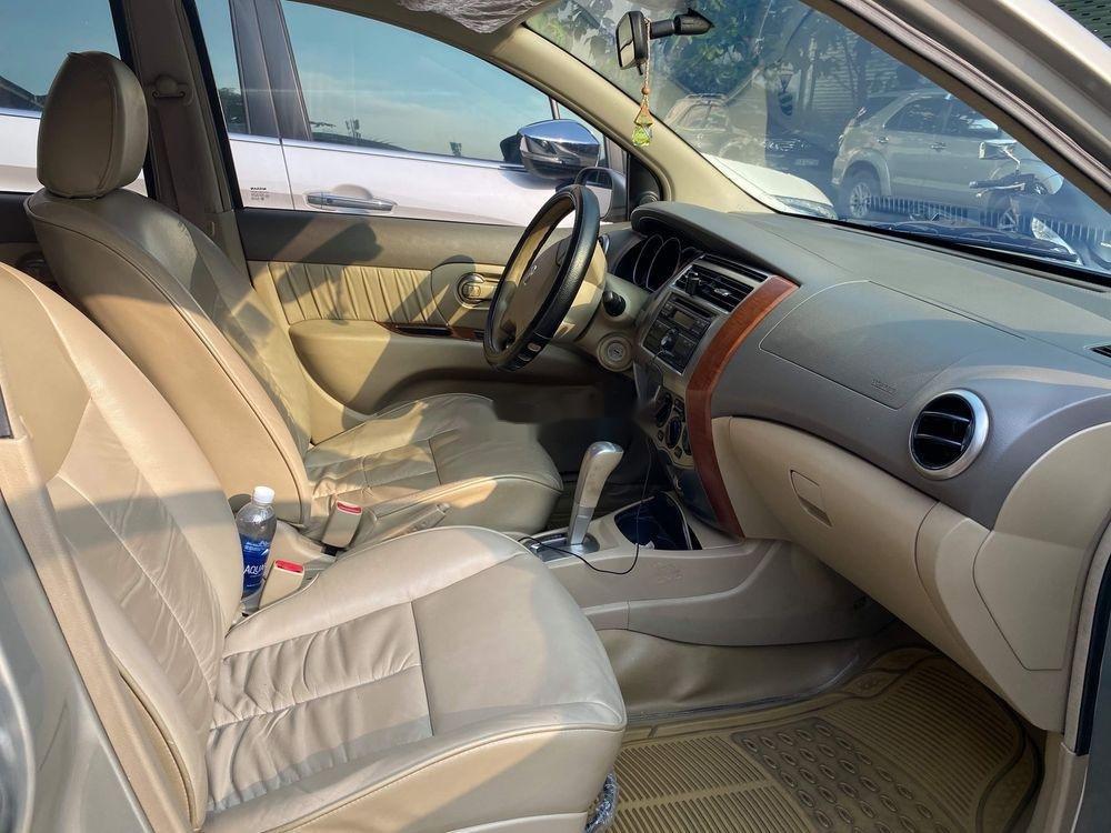 Bán Nissan Livina 2011, màu vàng, xe nhập số tự động, 325tr (7)