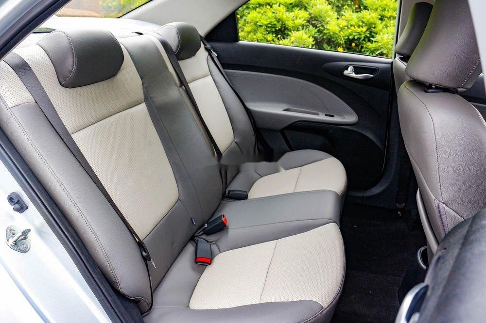 Bán Kia Soluto 1.4AT Deluxe đời 2019, xe giá thấp, giao nhanh toàn quốc (5)