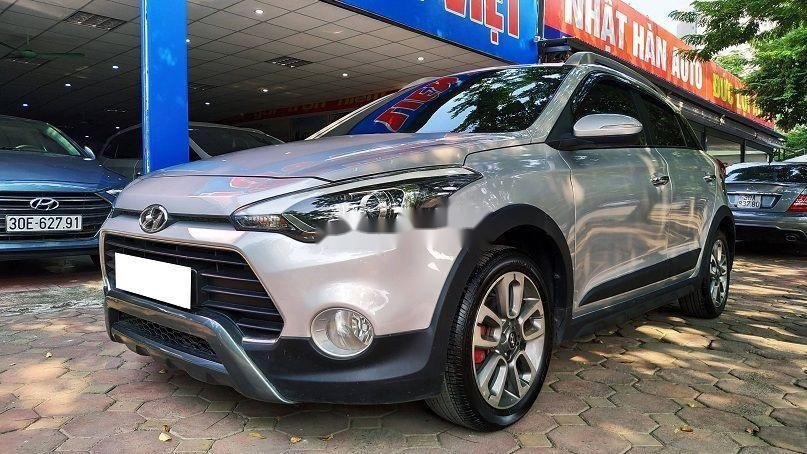 Bán gấp chiếc Hyundai i20 Active 2015 số tự động biển Hà Nội, xe chính chủ còn mới (1)