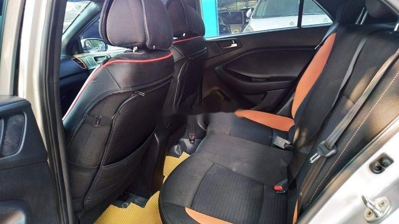 Bán gấp chiếc Hyundai i20 Active 2015 số tự động biển Hà Nội, xe chính chủ còn mới (7)