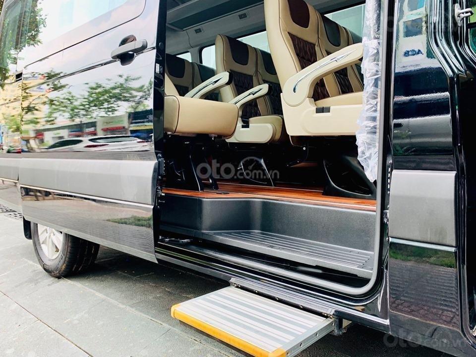 Bán xe Hyundai Solati năm sản xuất 2019, màu bạc, giá tốt (6)