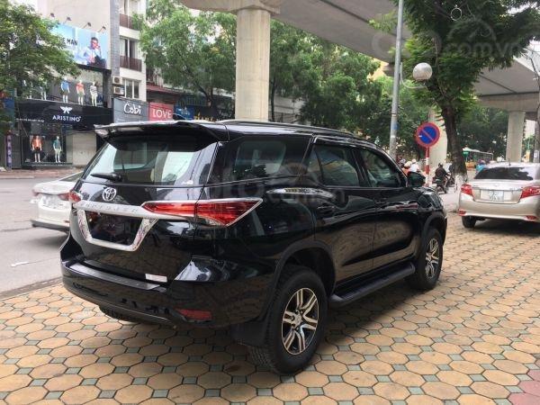 Toyota Fortuner 2019 số sàn 2.4 máy dầu, giá tốt. Mua xe trả góp lãi suất 0% (7)