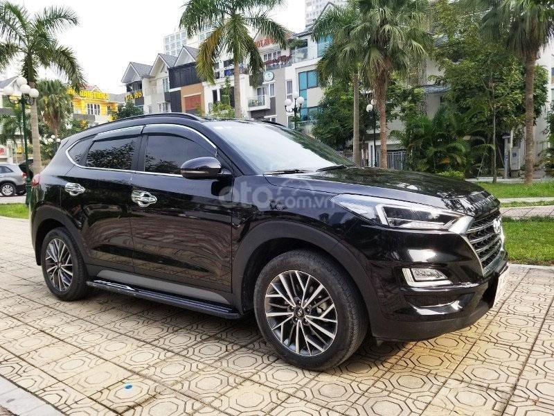 Bán chiếc xe Hyundai Tucson mới mua đầu 2019, màu đen, giá rẻ   (3)
