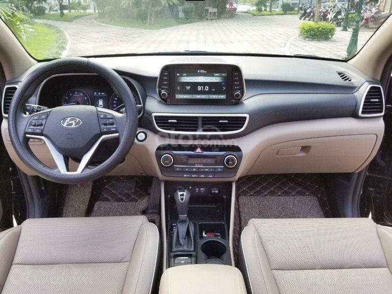 Bán chiếc xe Hyundai Tucson mới mua đầu 2019, màu đen, giá rẻ   (9)
