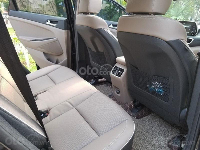 Bán chiếc xe Hyundai Tucson mới mua đầu 2019, màu đen, giá rẻ   (11)
